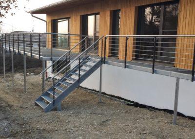 Integriert mit Treppe vom Garten